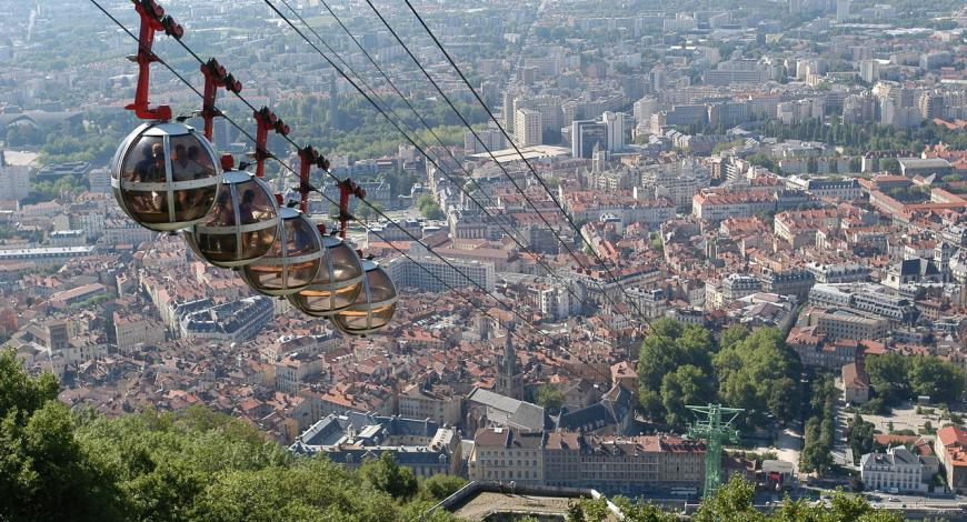 Vue de Grenoble depuis la Bastille.