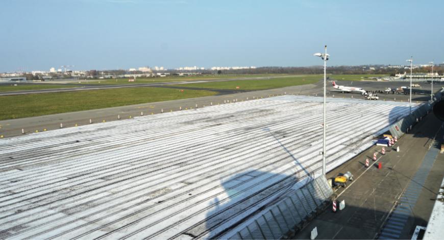 Les pistes de l'aéroport de Rennes rénovées avec TenCate Bidim PGM-G.