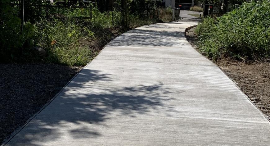 Le chantier circulaire du parc des Chanteraines (92) a permis une réutilisation à 100 % des anciens bétons du site… sur le site.