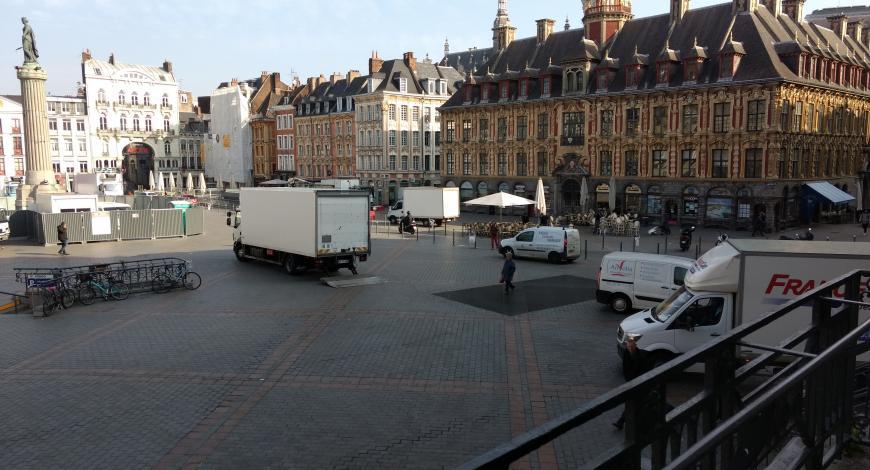 Le chantier d'aménagement de la place de la Déesse, à Lille, a été le premier démonstrateur « Acceptabilité des chantiers urbains » intégré au projet Furet.
