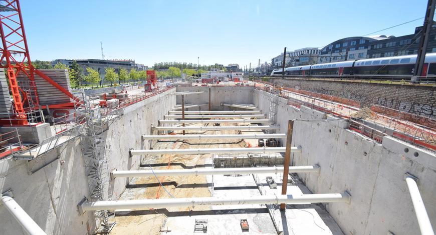 Fouilles géotechniques le long des voies de la gare de Lyon - Part-Dieu.