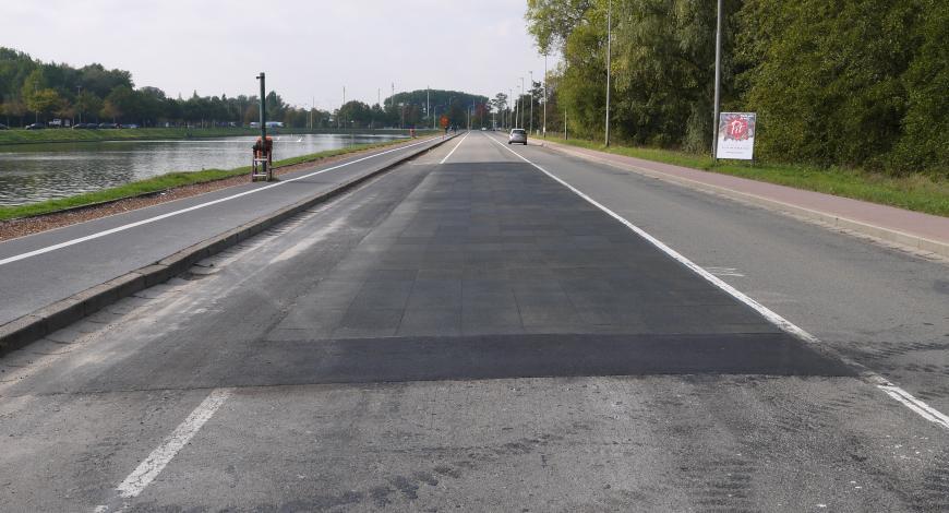 Section expérimentale en PERS à Gand un jour après l'ouverture au trafic.