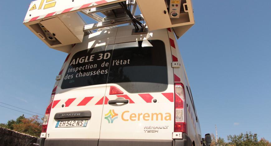 Vue arrière de l'un des deux véhicules Aigle 3D du Cerema.