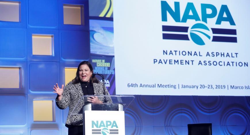 Lors du congrès 2019, Mike Acot, directeur exécutif de la NAPA depuis plus de 20 ans, a laissé sa place à Audrey Copeland.