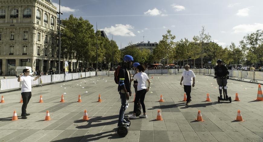 Electromouv' à Paris, organisé par l'association Prévention routière et Allianz