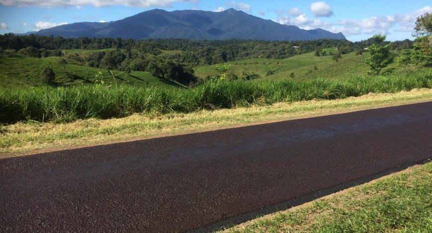 Enrobés bitumineux Downer, dans le Nord du Queensland.