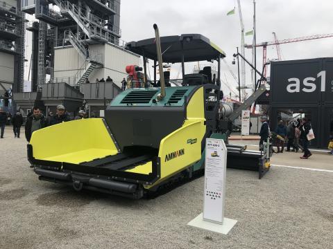 Finisseur « large » AFW 600-2, pour les grands chantiers.
