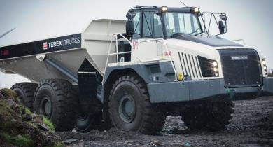 Le tombereau articulé Terex TA400, le plus gros modèle de la marque.
