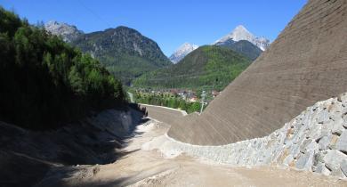 Mur de soutènement en sol renforcé par géosynthétiques.