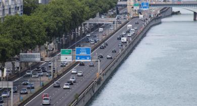 L'autoroute A7 le long du Rhône à Lyon.