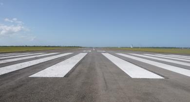 Turn pad de la piste 5/23 de Maputo, au Mozambique, à la fin de la réhabilitation en EME/BBME.