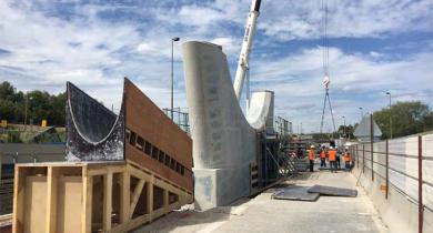 Une pile du nouveau pont de Nogent-sur-Marne.