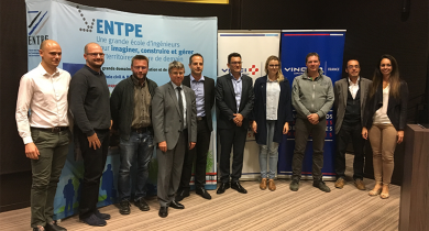 Signature d'une convention entre Vinci Construction et l'ENTPE.