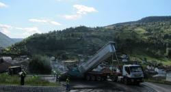 Mise en oeuvre d'enrobés à la chaux hydratée sur la RD 486 au col de Grosse-Pierre en août